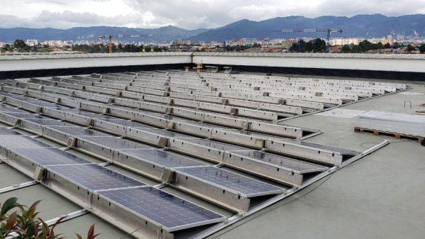 Techo solar de Celsia en Connecta 26 en Bogotá